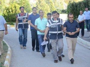 Karaman'da Gözaltına Alınan Üç Hakimden İkisi Tutuklandı