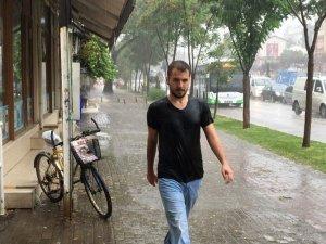 Bursa'da Yağış Hayatı Felç Etti
