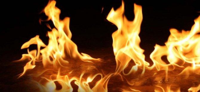 Arpaçay'da Yangın Bir Evi Kül Etti
