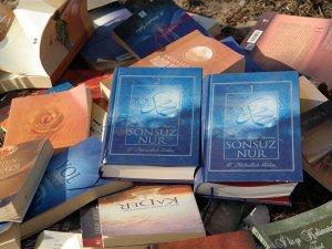 Kars'ta Dere Kenarında Çok Sayıda Kitap Bulundu