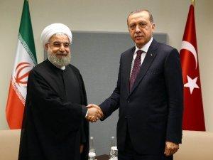 Erdoğan, İran Cumhurbaşkanı Ruhani İle Görüştü
