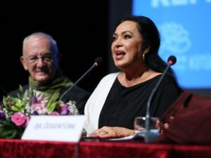 """Şoray: """"Yaşar Kemal'in Eserini Yönettiğim İçin Şanslıyım"""""""