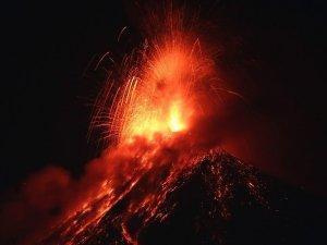Guatemala'nın En Aktif Yanardağı