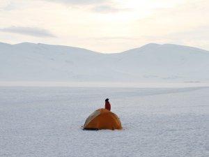 Çıldır Gölü Üzerinde Çadır Kurdular