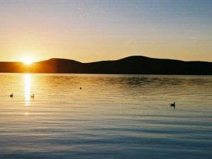 Bakanlık Çıldır Gölü'ne Tekne Yolladı