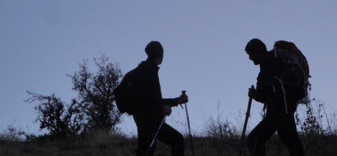 'Karslı Dağcılar'dan Sınır Yürüyüşü