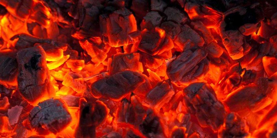 Arpaçay'da Eğitim Yanmayan Kömürle Başladı