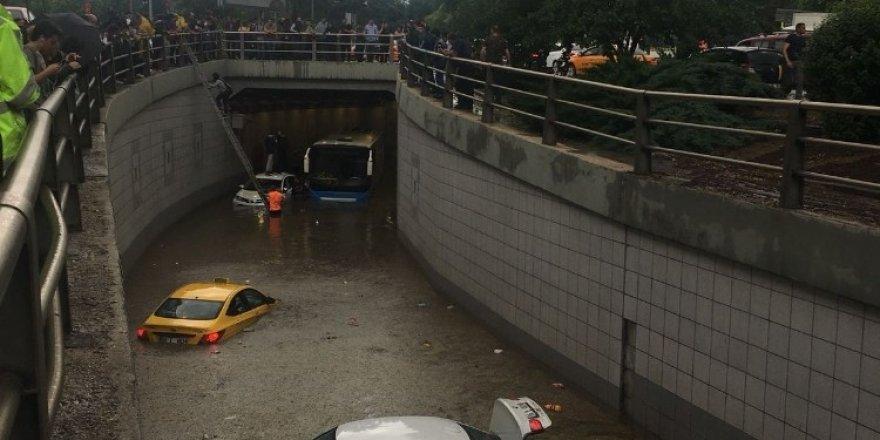 Ankara'da Sağanak Yağış ve Sel
