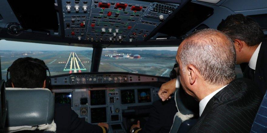 Erdoğan'ın Uçağı 3. Havalimanına İndi