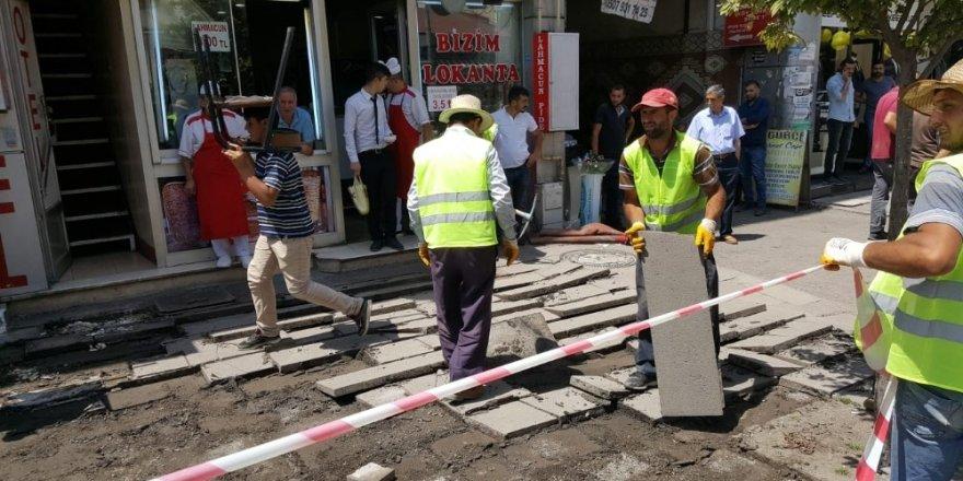 Kazımpaşa Caddesi'nin Kaldırımları Yenileniyor