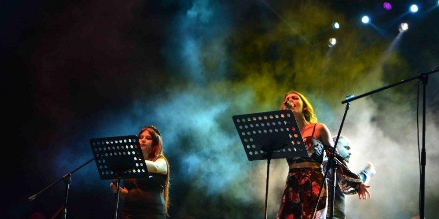 Roman Orkestrası'nın İlk Konseri