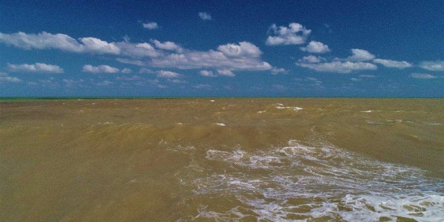 Karadeniz Çamura Bulandı