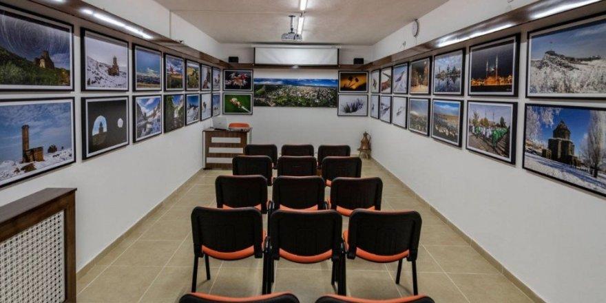 Fotoğrafçı Özgen Beşli'den 'Fotoğraf Galerisi'