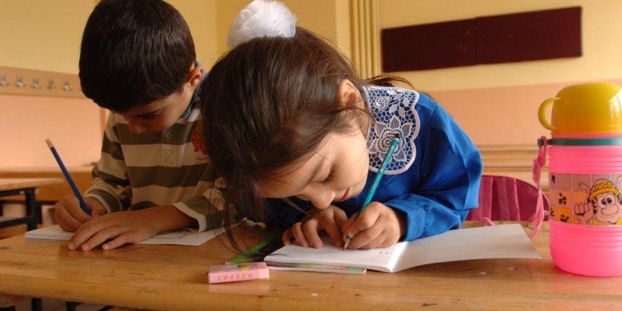 Karakurt'ta Çocuklar Okulsuz Kaldı