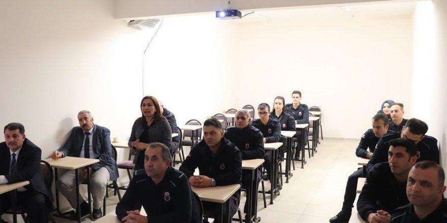 Cezaevi Personeline 'Eğitim Semineri'