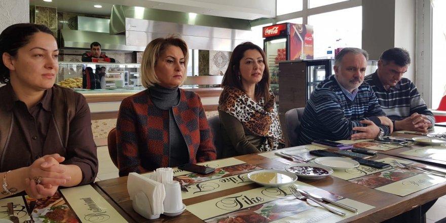 HDP'den Kahvaltılı Basın Toplantısı