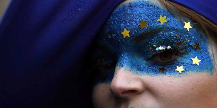 Yüzbinler 'Brexit'e Hayır Dedi