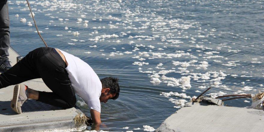 Çıldır Gölü'ne 'Köpük' İskeleler