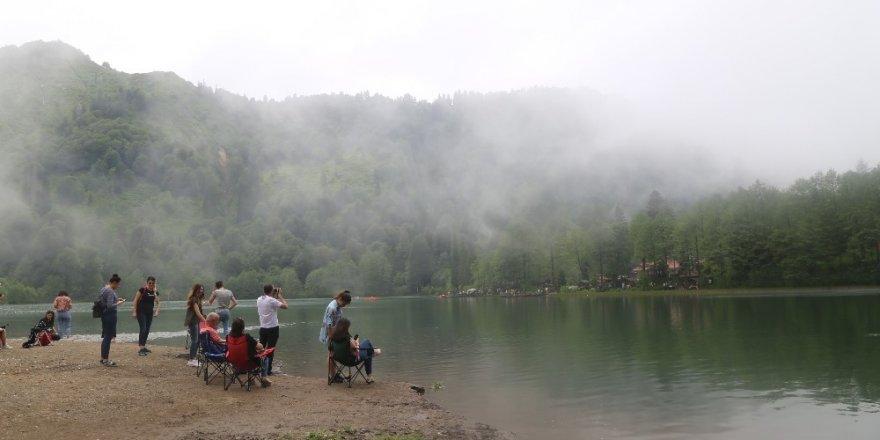 Bayramda Borçka Karagöl'e 32 Bin Ziyaretçi