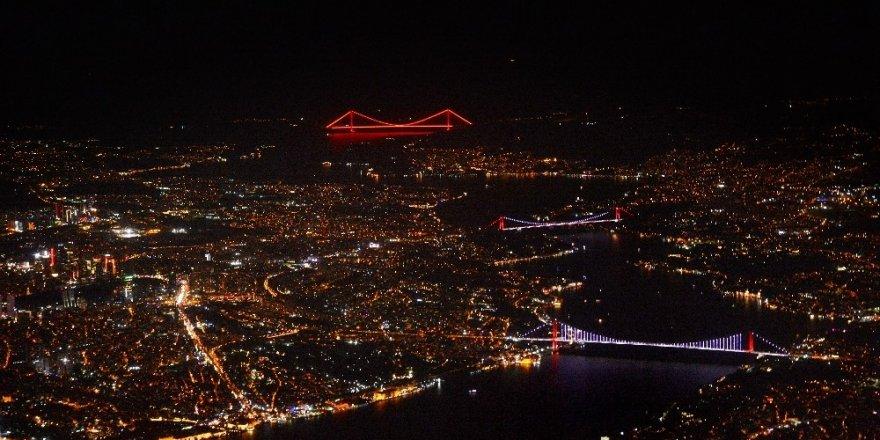 İstanbul'da Gece ve Köprüler