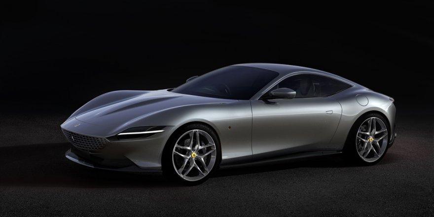 """Ferrari Yeni V8 Motorlu """"Roma""""yı Tanıttı"""