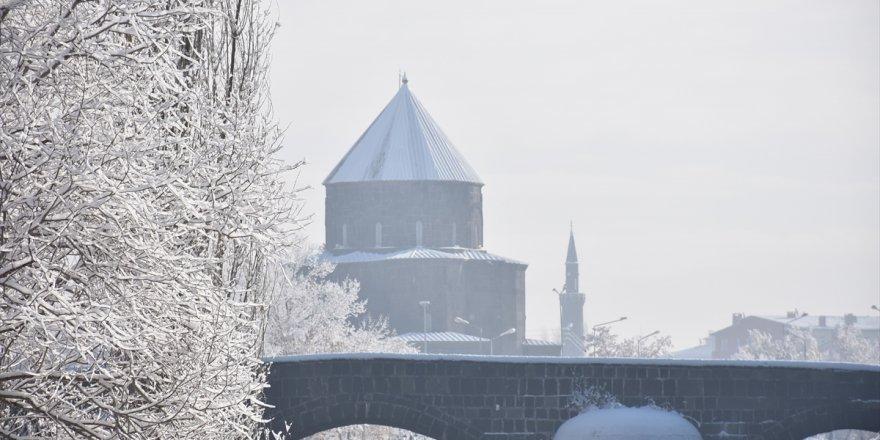 Kars'ta Kar Yağışı Başladı