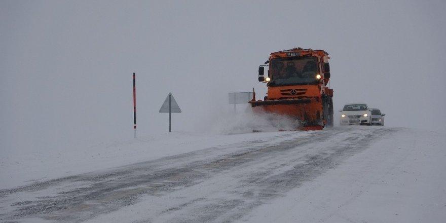 Ardahan'da Ulaşıma Kar, Tipi ve Sis Engeli