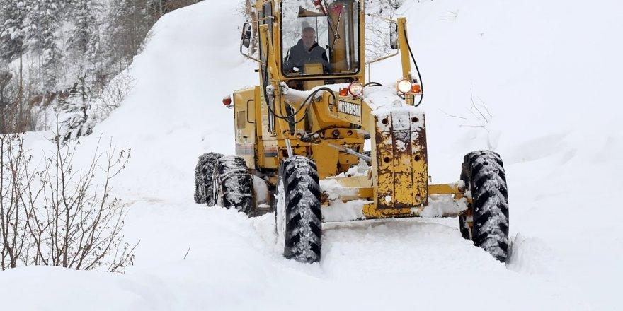 Kars'ta 181 Köy Yolu Ulaşıma Kapandı