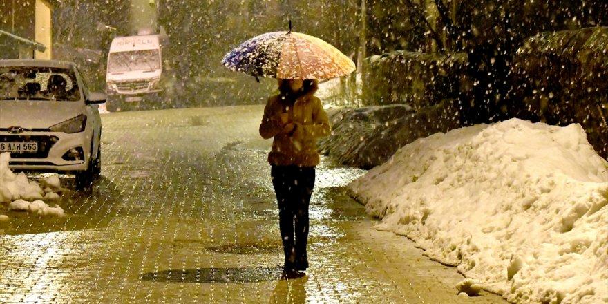 Sarıkamış'a Baharda Kar Yağdı