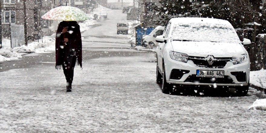Kars | Bölgede Kar Yağışı Etkili Oluyor
