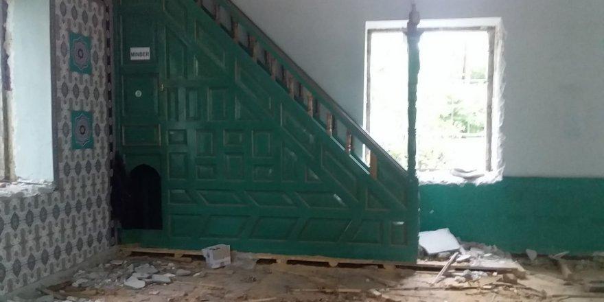Karakurt'un 65 Yıllık Camisi Yıktırıldı