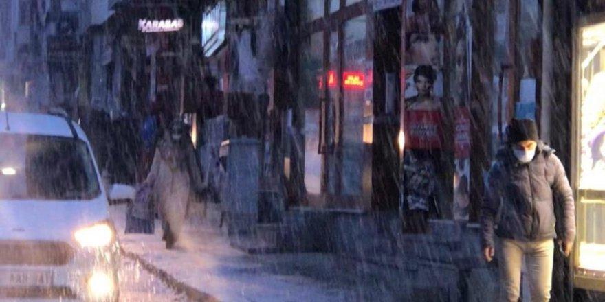 Sarıkamış'ta Kar Yağışı ve Sis