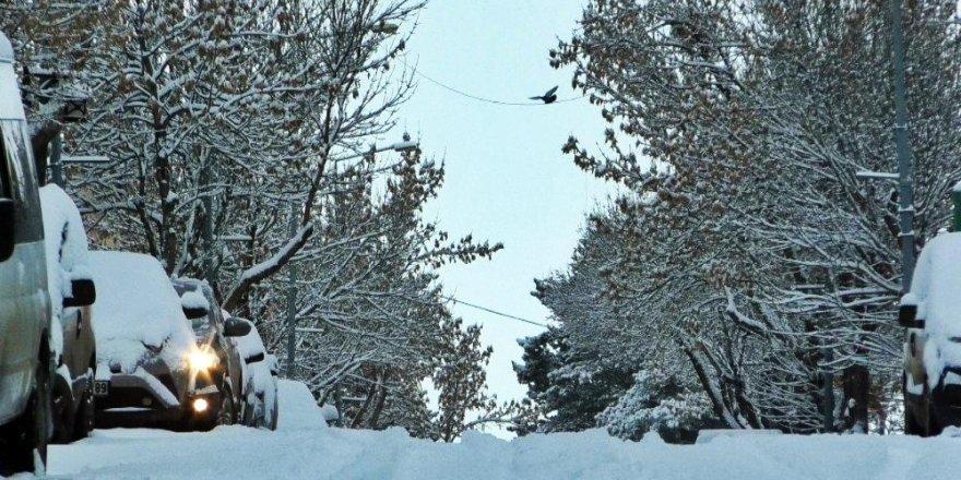 Kars | Kar Yağışı Etkili Oluyor