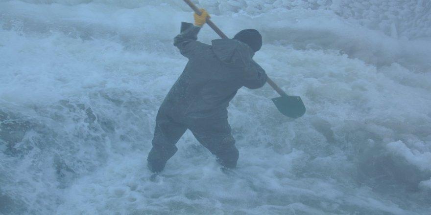 Kars | Santral İşçilerinin 'Buz Savaşı'