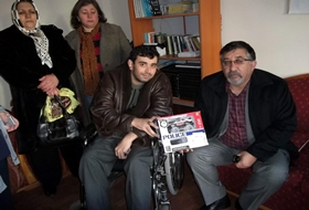CHP'li Yöneticilerden Engellilere YARDIM