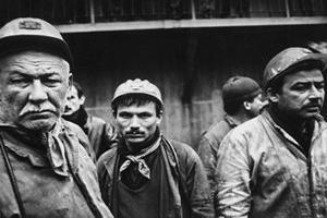20 Madenci Karda Mahsur KALDI