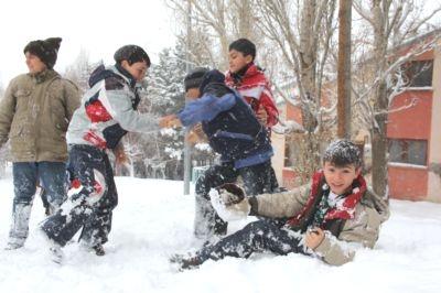Kars ve Bölgede Okullara KAR TATİLİ