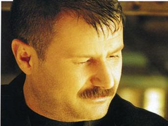 Sanatçı Azer Bülbül Hayatını KAYBETTİ