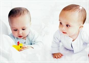 İkizler Ama 'BABA'ları FARKLI