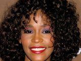 Whitney Houston Hayatını KAYBETTİ