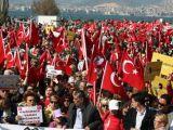 İzmirde Vatanseverlere Özgürlük YÜRÜYÜŞÜ