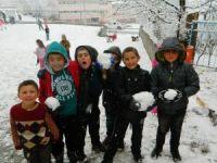 Kar Çocukların Neşe Kaynağı Oldu