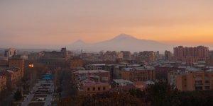 Ermenistan'da Muhalif Liderler Gözaltına Alındı