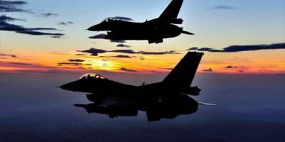 'Türk Pilotları'nın Eğitimi Durduruldu
