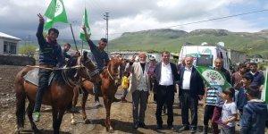 HDP'li Adaylar Köy Köy Dolaşıyor