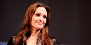 Angelina Jolie Musul'da