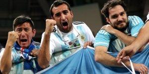 Arjantin, Gruptan Çıktı