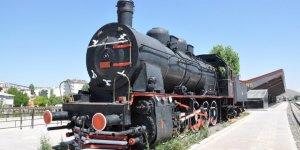 76 Yıllık 'Kara Tren' Kars'ta Sergileniyor