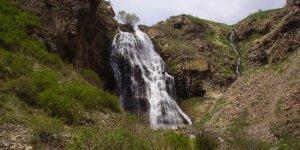 'Susuz Şelalesi' Piknik Alanı Tamamlanıyor