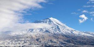 Ağrı Dağı Beyaza Büründü